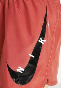 Nike Performance - RUN SHORT - Sports shorts - canyon rust - 4