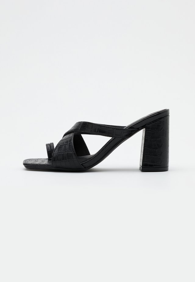 THICK CROSSOVER TOE - Tongs - black