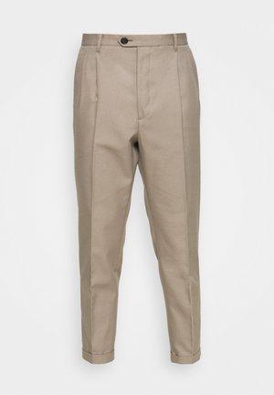 TALLIS TROUSER - Trousers - stone grey