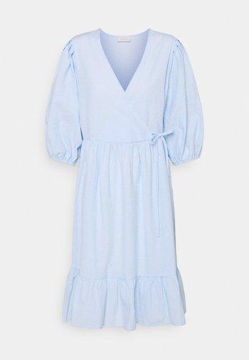 MAGNOLIA STRIPE - Day dress - chambray blue