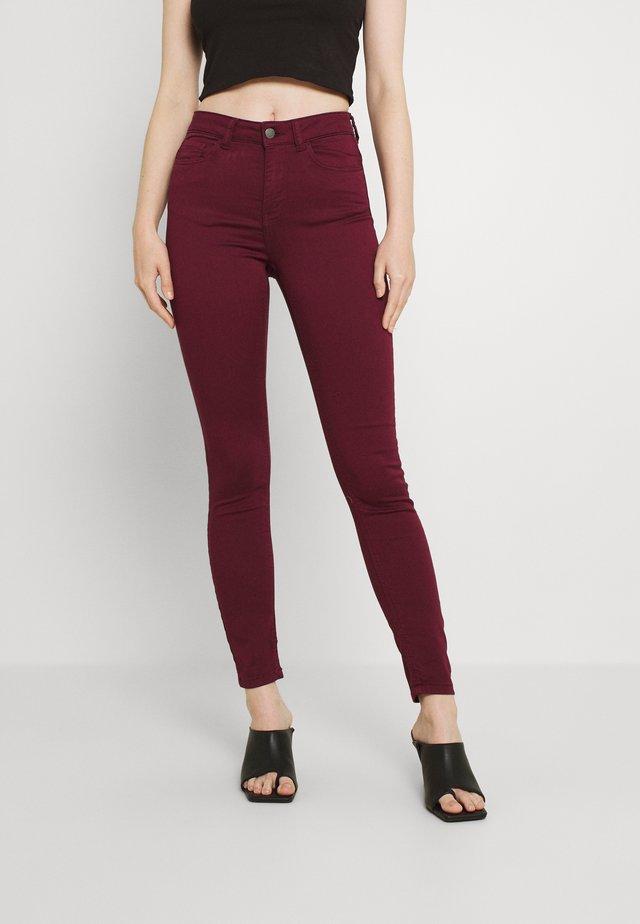 JDYLARA LIFE - Jeans Skinny Fit - windsor wine