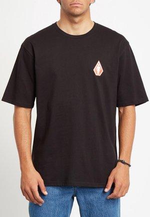 PRETTY STONED RLX SS - Camiseta estampada - black