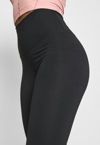 Nike Performance - THE YOGA 7/8 - Tights - black - 3