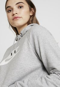 Nike Sportswear - HOODIE - Felpa con cappuccio - dark grey heather/white - 4