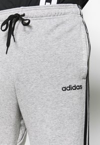 adidas Performance - ESSENTIALS 3STRIPES FRENCH TERRY SPORT PANTS - Tracksuit bottoms - medium grey heather/black - 4