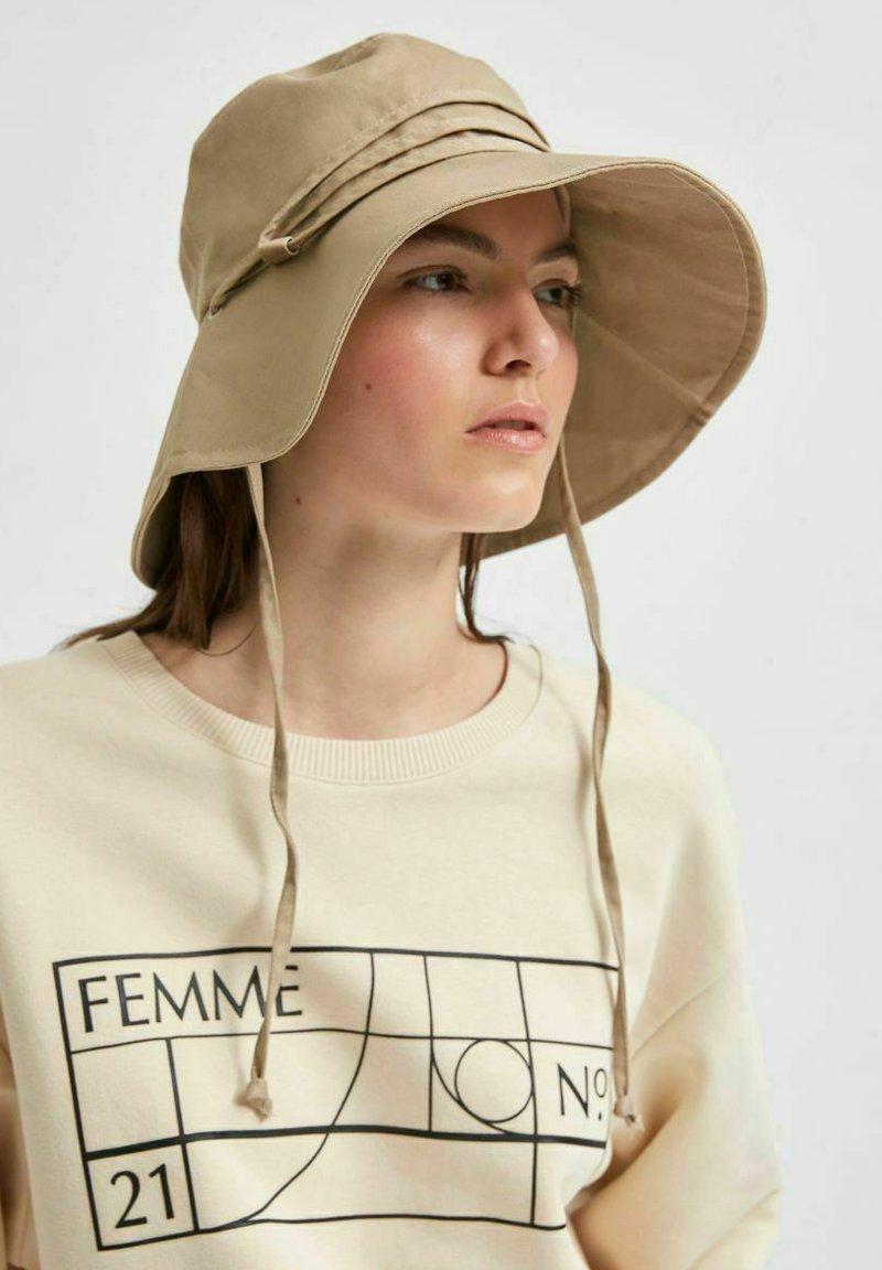 Selected Femme - Chapeau - beige