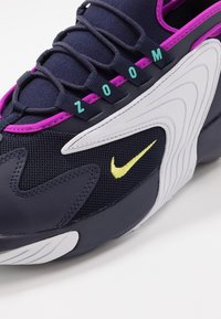 Nike Sportswear - ZOOM  - Sneakers - blackened blue/dynamic yellow/white/aurora green/hyper violet - 6