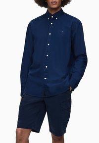 Calvin Klein - Formal shirt - calvin navy - 0