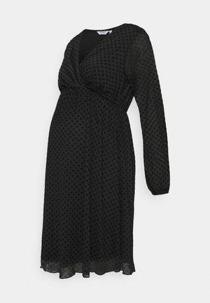 MATERNITY WRAP DOBBY DRESS - Trikoomekko - black
