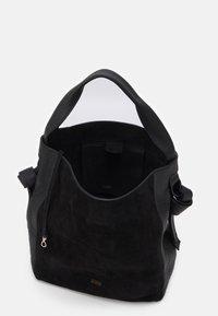 CLOSED - ALYSSA SET - Handbag - black - 3