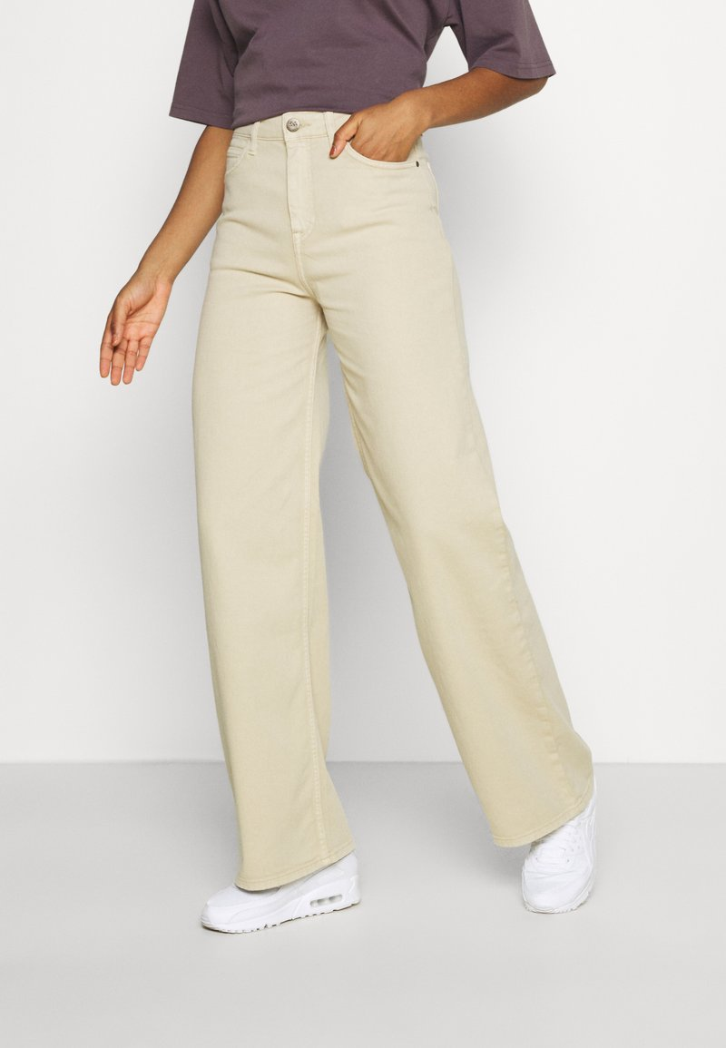 Lee - STELLA A LINE - Flared Jeans - sand