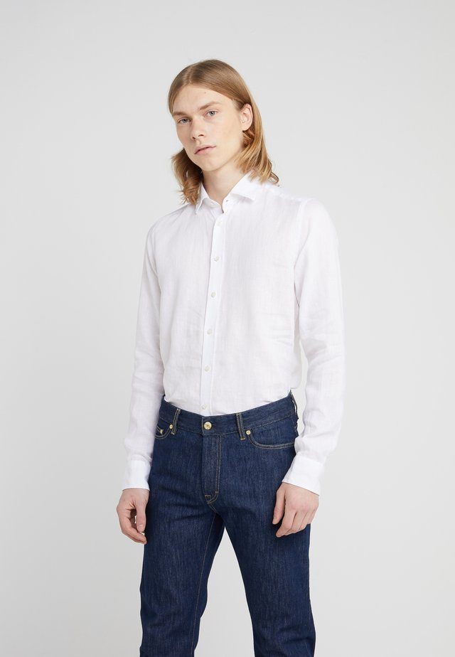 IVER SLIM FIT - Skjorta - optical white