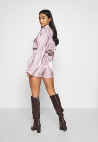 Missguided Petite - CODE CREATE - Shorts - pink - 2