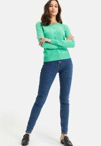 WE Fashion - Strikjakke /Cardigans - bright green - 1