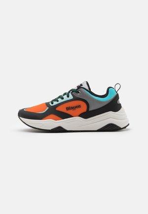 TOK - Sneakers laag - fantasy/orange