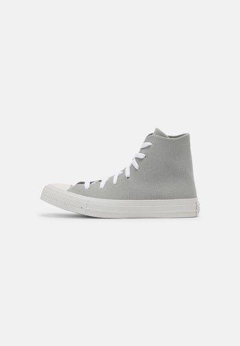CHUCK TAYLOR ALL STAR UNISEX - Zapatillas altas - ash stone/string/white