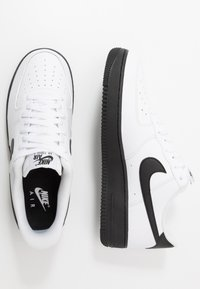 Nike Sportswear - AIR FORCE 1 '07 BRICK - Baskets basses - white/black - 1