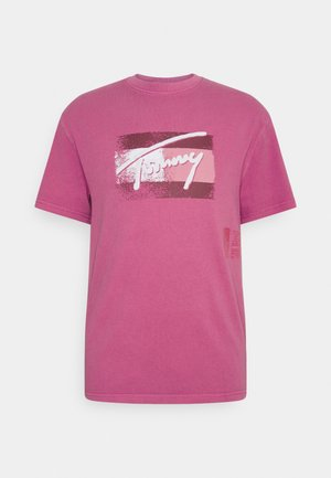 FADED FLAG SCRIPT TEE UNISEX - Print T-shirt - bright cerise pink