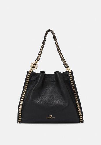 MINA CHAIN TOTE - Handbag - black