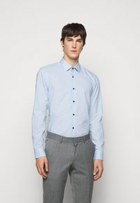 HUGO - KOEY - Formal shirt - pastel blue - 0