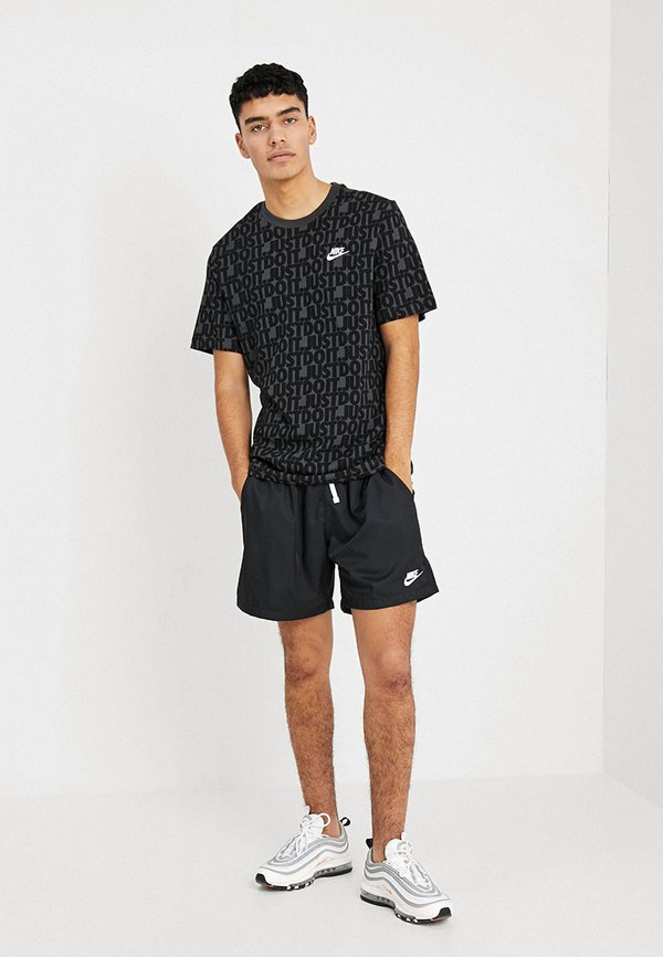 Nike Sportswear FLOW - Szorty - black/white/czarny Odzież Męska XXQT