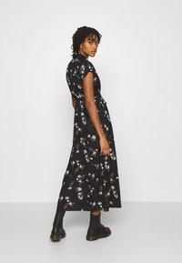 Vero Moda - VMFALLIE LONG TIE DRESS - Blousejurk - black - 2