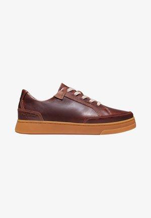 Chaussures à lacets - saddle