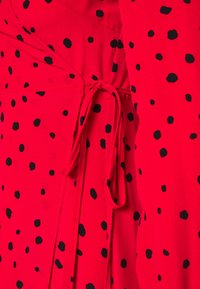 Wallis Petite - CORAL SPOT WRAP MIDI - Day dress - red - 2