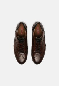 Lloyd - VERNON - Sznurowane obuwie sportowe - cognac - 3