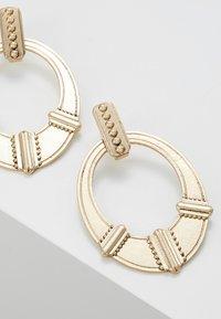 ERASE - ETHNIC DOOR KNOCKER - Boucles d'oreilles - gold-coloured - 4