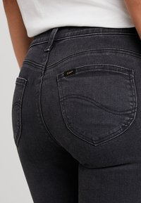 Lee - SCARLETT CROPPED ZIP - Jeansy Skinny Fit - body optix - 5