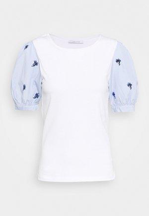 CARLOS - Print T-shirt - bianco ottico