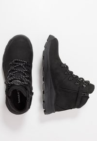 Timberland - BROOKLYN HIKER - Lace-up ankle boots - black - 0