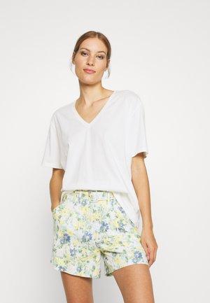 HERMIONE V NECK - Basic T-shirt - snow white