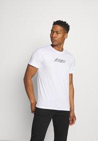 Jack & Jones - JOROMBRE TEE CREW NECK 5 PACK - T-shirt med print - white - 5