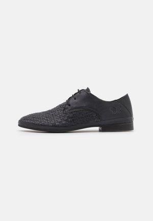 CHANTAL - Šněrovací boty - black