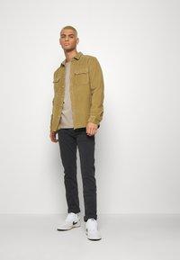 Calvin Klein Jeans - CKJ 016 SKINNY - Slim fit -farkut - grey - 1