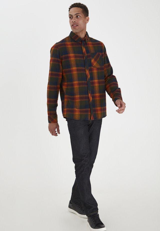 JUAN  - Shirt - sudan brown