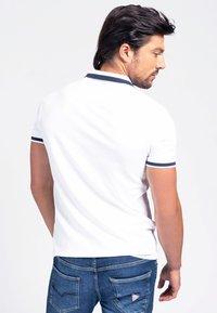 Guess - Polo shirt - weiß - 2