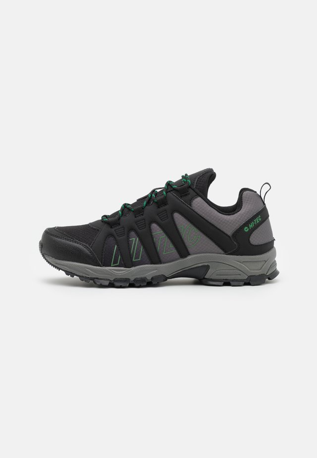 WARRIOR - Zapatillas de senderismo - black/military green