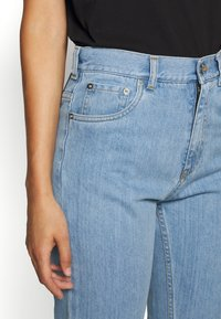 N°21 - Relaxed fit jeans - degradable blue
