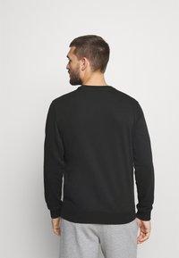 Champion - CREWNECK - Sweatshirt - black - 2
