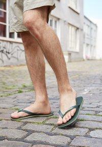 Havaianas - BRASIL LOGO - Pool shoes - green olive - 4