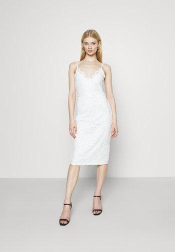 VISTASIA STRAP DRESS - Koktejlové šaty/ šaty na párty - cloud dancer