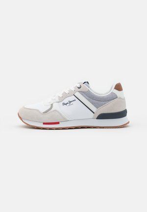 CROSS 4 TECH - Trainers - white