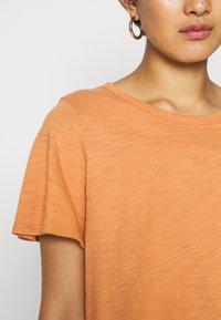 GAP - SLUB  - T-shirt basic - tumeric - 5