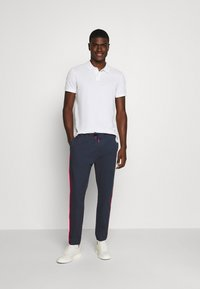 Tommy Jeans - CUFFED - Broek - twilight navy - 1