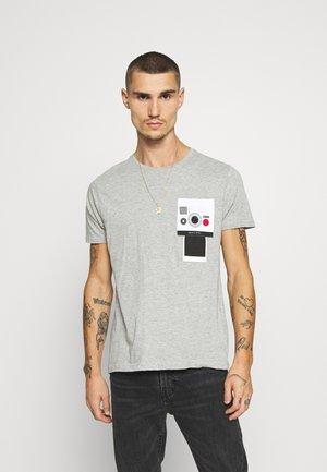 CLICK - T-shirt print - grey marl