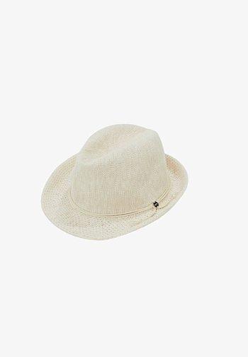 Hat - cream beige