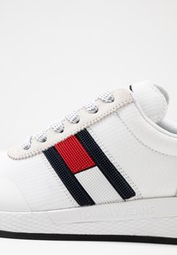 Tommy Jeans - Trainers - white - 2